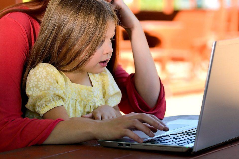Nove preporukeameričkih pedijatara za korištenje medija u obitelji