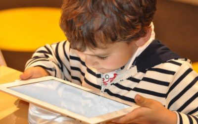 Tablet kao igračka: kako touchscreen uređaji utječu na najmlađe?
