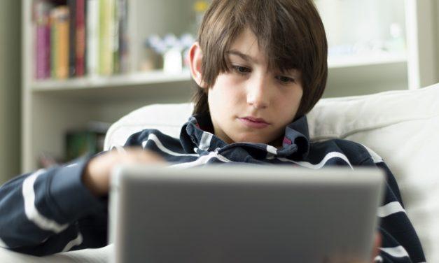Kad je djeci dosadno… Kako ograničiti vrijeme uz medije tijekom praznika