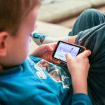 Dijete ima temper tantrum kad mu ne dam mobitel