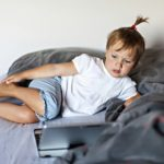 Postavite pravila – kada, koliko dugo i kakve sadržaje djeca mogu pratiti
