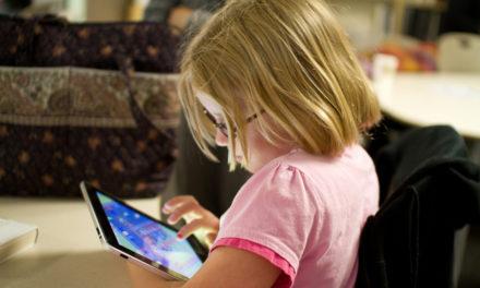 Izazovi korištenja medija i tehnologije od prvih godina do adolescencije – savjeti za roditelje