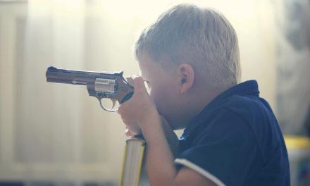 Kad vide oružje na filmu, djeca su zainteresiranija za oružje u stvarnom životu