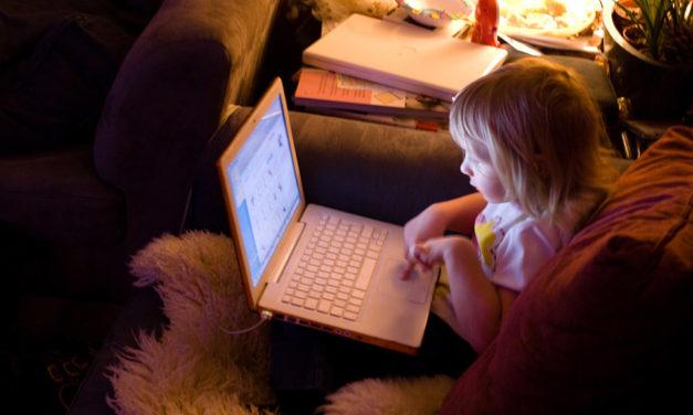 Kako s djetetom razgovarati o seksualnim sadržajima na internetu