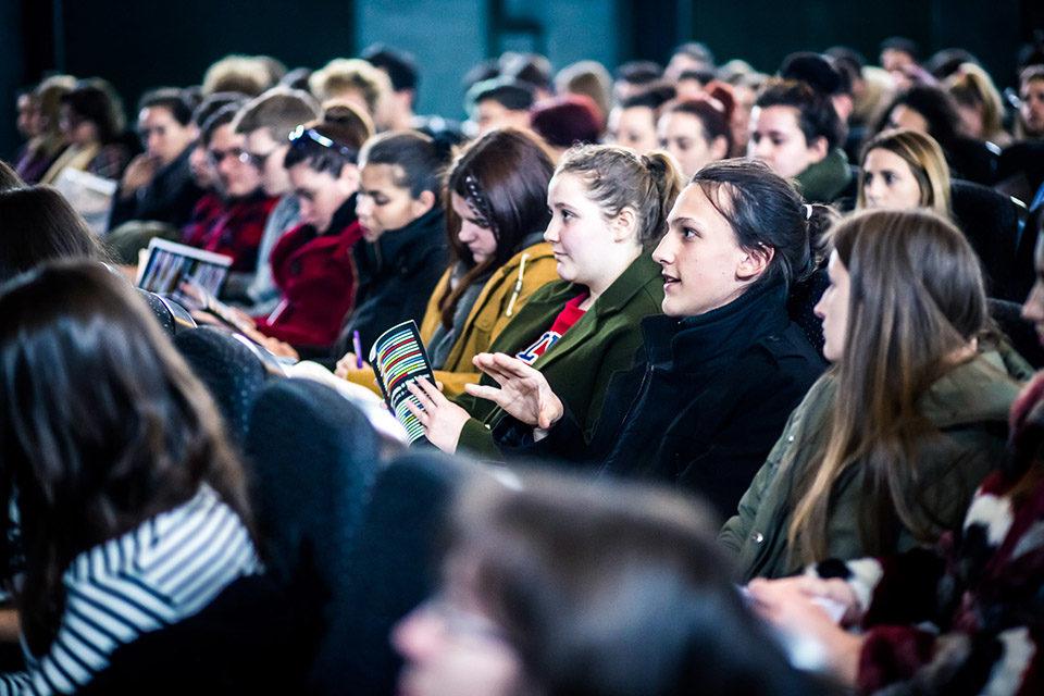 Više od 200 osnovnoškolaca, srednjoškolaca i profesora praznike provodi u kinu Tuškanac