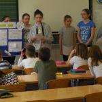 Petašice iz Medijske skupine istražuju medije i znanja prenose mlađim učenicima