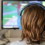 Rizici online igara: savjeti za roditelje tinejdžera