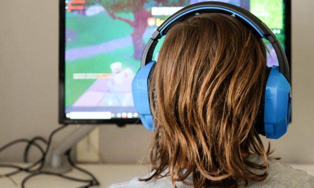Rizici online igara: savjeti za roditelje