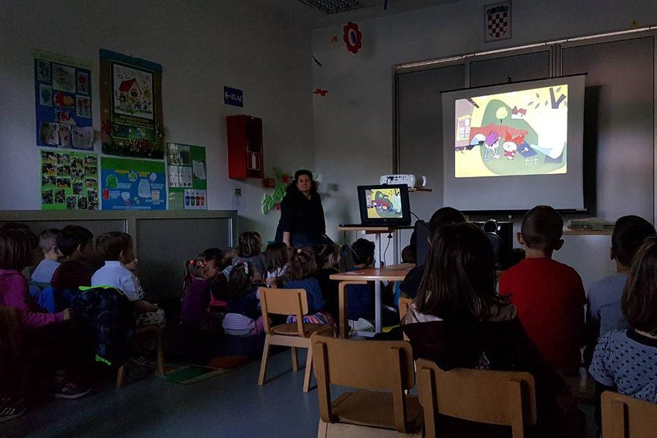 'U našem vrtićkom kinu djeca gledaju kvalitetne crtiće i uče'