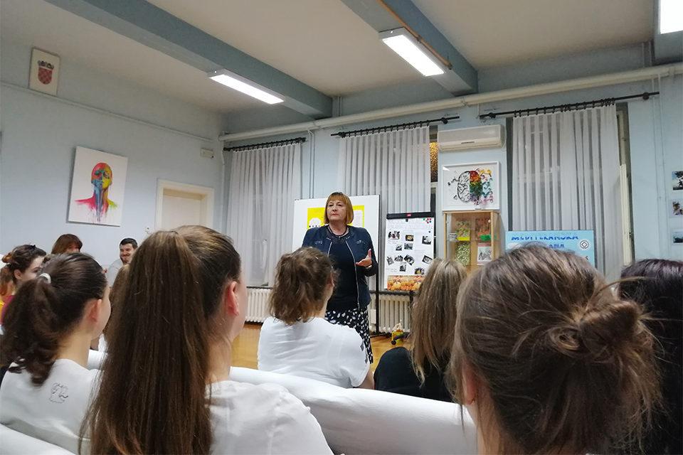 Kako i zašto učiti o medijima – u učeničkim domovima