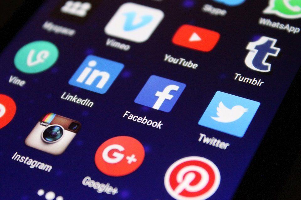 Društvene mreže i platforme u borbi protiv dezinformacija o koronavirusu