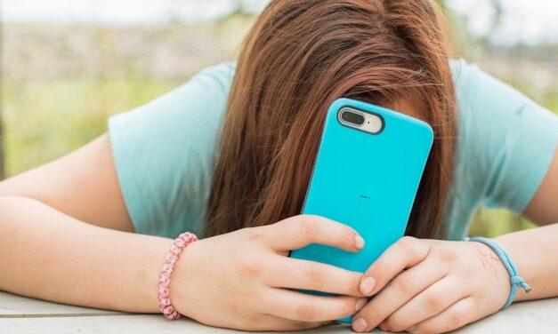 Jesu li digitalne tehnologije zaista tako loše za metalno zdravlje tinejdžera?