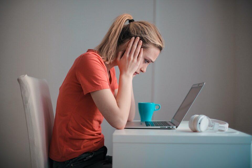 Kako pomoći prijatelju koji je žrtva elektroničkog nasilja?